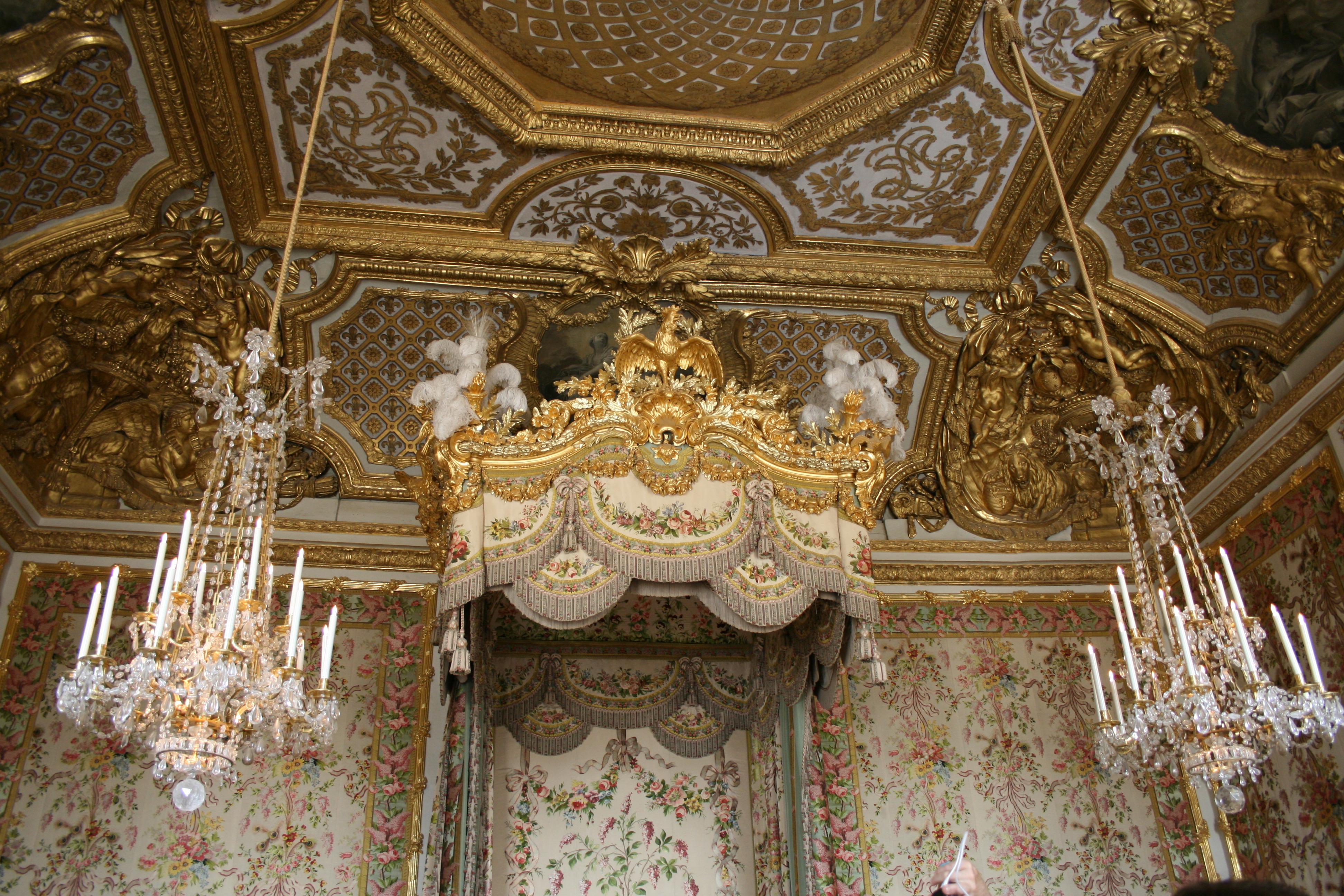 Queen Room, details