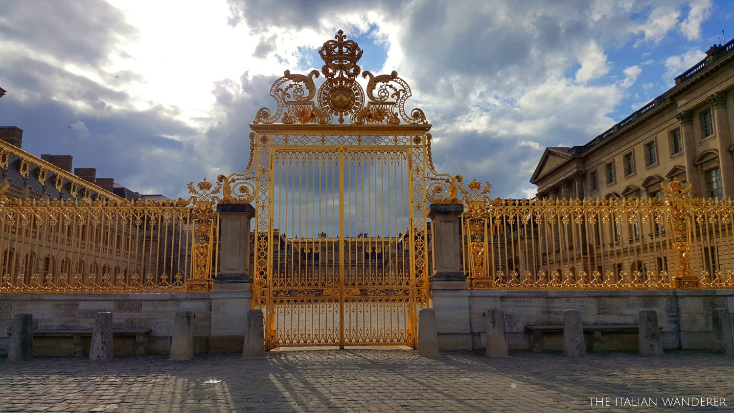The stunning main entrance gate of Versailles, a golden vision :)
